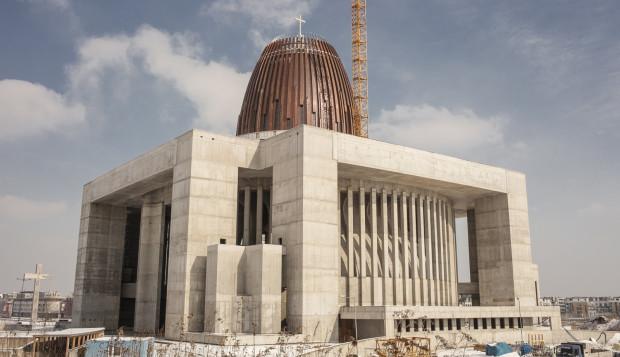 Do obłożenia kopuły świątyni wykorzystano ponad 30 ton miedzi.
