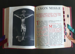 Missale Romanum , czyli Mszał Rzymski w języku łacińskim. Wydanie z 1962 r.