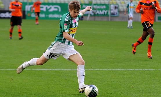 W zeszłym sezonie Jakub Kosecki, będąc wypożyczonym z Legii, razem z Lechią pozbawił mistrzostwa Polski klub z Warszawy. W niedzielę jego bramka, w meczu z biało-zielonymi, przybliżyła Legię do zwycięstwa w lidze.