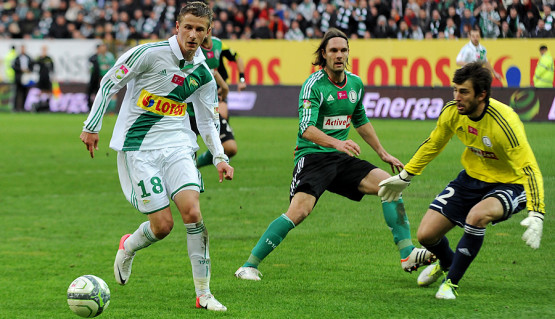 Kacper Łazaj, gdy zapewnił Lechii zwycięstwo nad Ruchem w Chorzowie 1:0, miał 17 lat i 108 dni.