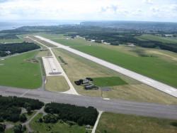 Żeby wojskowe lotnisko w Kosakowie przekształcić w cywilny port lotniczy dla małych samolotów, trzeba wydać co najmniej 100 mln zł.