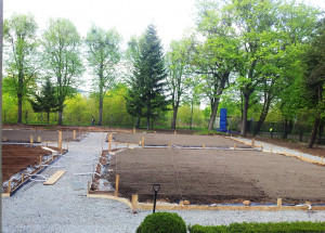 Rekonstrukcja założeń ogrodowych przy ulicy Opackiej jest już w toku.