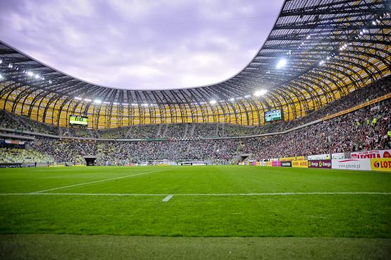 W sezonie 2013/14 piłkarze Lechii rozegrają na PGE Arenie 18 lub 19 meczów w ekstraklasie.