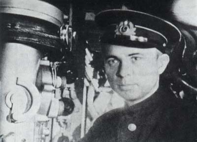 Komandor podporucznik Aleksander Marinesko dowodził okrętem S-13, który zatopił Wilhelma Gustloffa i Generala von Steubena.
