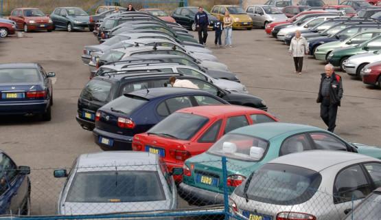 Kupno auta używanego to często bardzo duże ryzyko, nie brak bowiem nieuczciwych sprzedawców aut powypadkowych lub z ukrytymi wadami technicznymi. Usługi świadczone przez MotoRaporter mają ustrzec potencjalnych klientów przez nieprzyjemnościami.