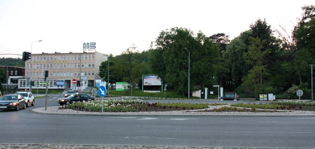 W tym miejscu (rejon skrzyżowania Drogi Zielonej, al. Grunwaldzkiej i ul. Czyżewskiego) rozpoczynać się ma ul. Nowa Spacerowa.