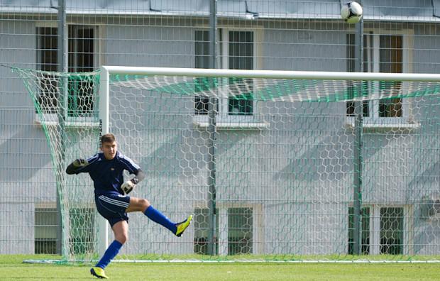 Kacper Rosa w niedzielę w meczu ekstraklasy był rezerwowym bramkarzem, a dzień później zagrał już przeciwko Górnikowi w Młodej Ekstraklasie, ale jako... napastnik.