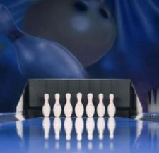 W nowym centrum można też pograć na czterech torach do bowlingu.
