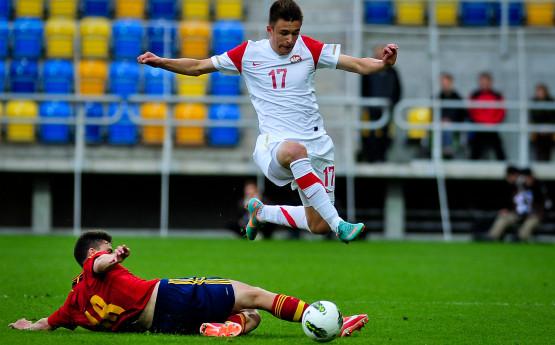 Polska jako jedyna drużyna grupy czwartej Elite Round nie strzeliła jeszcze gola i nie zdobyła punktu. Czy te kiepskie statystyki Dariusz Formella (na zdjęciu) i jego reprezentacyjni koledzy zmienią w poniedziałek w Gdańsku?