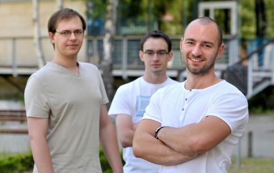 Na zdjęciu, od prawej Karol Stosik, Mateusz Nowak i Paweł Nowakowski - autorzy aplikacji Modern Drug Test, na co dzień studenci Wydziału Elektroniki, Telekomunikacji i Informatyki PG.