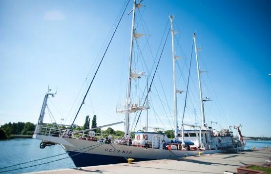 Oceania, statek badawczy Instytutu Oceanologii PAN w Sopocie.