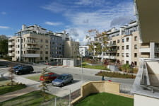 Oliwa Park składa się z ośmiu budynków oraz bogatego centrum rekreacyjnego dla mieszkańców, zlokalizowanego w centralnej części inwestycji.