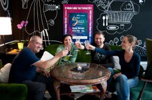 Kawiarnia U Muzyk'uff to miejsce, które zostało stworzone przez artystów.