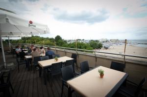Restauracja Vinegre di Rucola wyróżnia się pokaźnym tarasem.