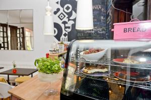 W Tupocie Mew zjemy domowy obiad w designerskim wnętrzu.