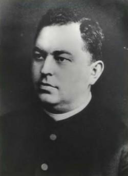 Ks. Bronisław Komorowski był znanym działaczem gdańskiej Polonii. Po wybuchu II wojny światowej trafił do obozu koncentracyjnego Stutthof. Zginął w 1940 r. rozstrzelany przez SS-manów.