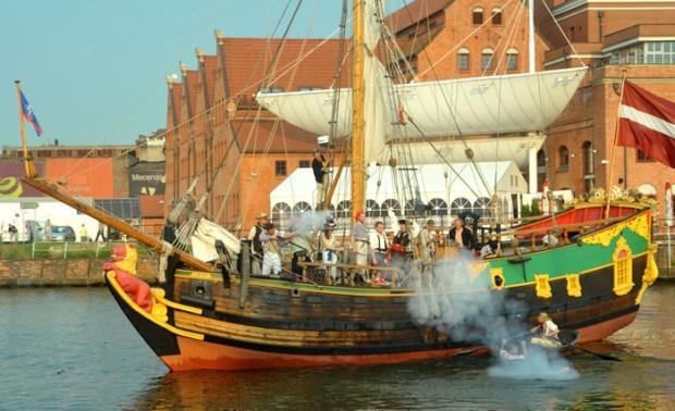 Zeszłoroczny Zlot Baltic Sail opanowali międzynarodowi korsarze.