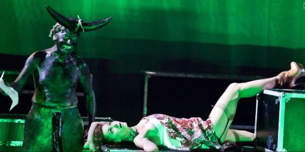 """Jednym z ciekawszych akcentów tegorocznego Festiwalu Szekspirowskiego powinien być spektakl Jana Klaty - """"Titus Andronicus"""" (prezentowany w sobotę 3 sierpnia na Dużej Scenie Teatru Wybrzeże)."""