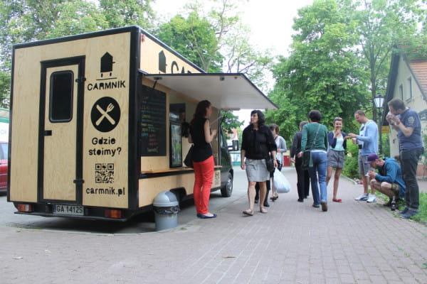 Carmnik to pierwsza mobilna burgerownia w Trójmieście. Znajdziemy ją m.in. na parkingu pod sopocką Almą.