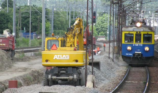 Przebudowa głównej magistrali to nie tylko wymiana torowiska i sieci trakcyjnej, ale przede wszystkim modernizacja peronów na poszczególnych stacjach.