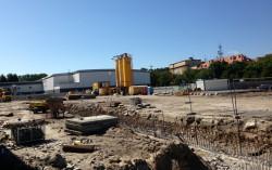 Choć teren za Centrum Gemini to obecnie plac budowy, nie utrudnia to jednak działania samego obiektu.