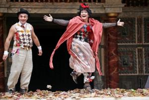 """XVII Festiwal Szekpirowski inauguruje wesoła, szalona komedia Szekspira """"Jak wam się podoba"""" w reżyserii Tsuladze z gruzińskiego Kote Marjanishvili State Drama Theatre z Tibilisi. Spektakl pokazywany 1 i 2 sierpnia."""