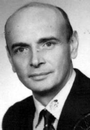 W wieku 74 lat zmarł Jacek Korczakowski, autor tekstów piosenek, librett oraz - za dyrekcji Danuty Baduszkowej - kierownik literacki Teatru Muzycznego w Gdyni.