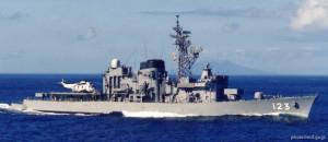 """""""Shirayuki"""" został zwodowany w 1981 roku jako niszczyciel, ale w 2011 roku przekształcono go w okręt szkoleniowy. W Gdyni zacumuje przy Nabrzeżu Francuskim, gdzie będzie można go zwiedzać w  środę od godziny 14 do 17 i w czwartek w godzinach 13–17."""