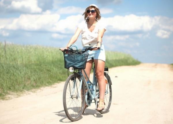 Każdy styl jazdy wymaga innej odzieży, jeśli więc jeździmy spokojnie, strój nie będzie odgrywał tak dużej roli.
