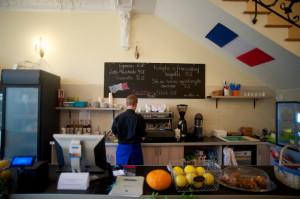 A la Française serwuje dania kuchni francuskiej przygotowywane przez rodowitego Francuza.