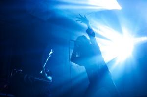 Turbowolf zbombardował fanów nieokiełznaną hard-rockową energią, przez cały koncert utrzymując świetny kontakt z publicznością.