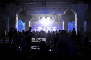 W ciągu trzech dni Soundrive Fest na dwóch scenach zagrało niemal trzydzieści zespołów. Każdy koncert był profesjonalnie nagłośniony i oświetlony.