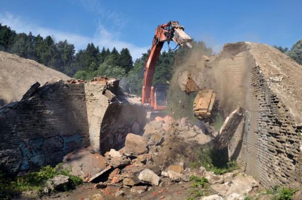Ostatni wiadukt wyburzono kilka dni przed terminem.
