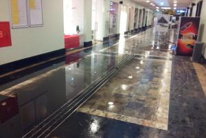Tak wyglądał o godz. 8 rano dworzec PKP w Gdyni.