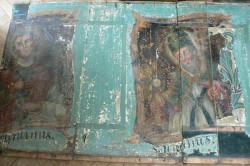 Podczas prac konserwatorskich na kościelnym chórze odkryto barokowe malowidła z wizerunkami świętych.