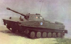 Lekki czołg pływający PT-76 w barwach 7. Dywizji Obrony Wybrzeża.