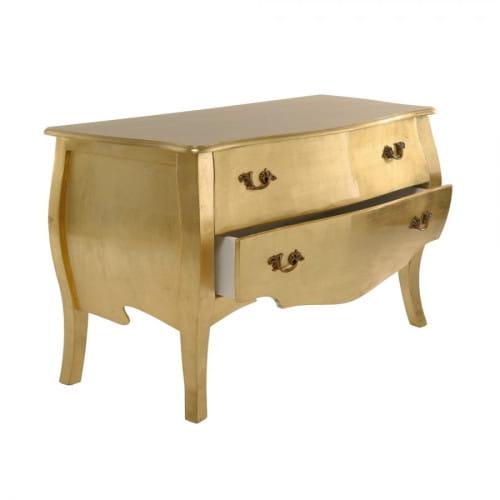 Złota komoda Windsor Gold o miękkiej linii, Moma Studio, 3829 zł.