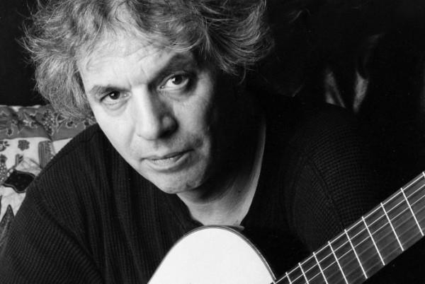 Ralph Towner to fenomenalny wirtuoz gitary klasycznej. Jego koncert odbędzie się w sobotę w Zatoce Sztuki.