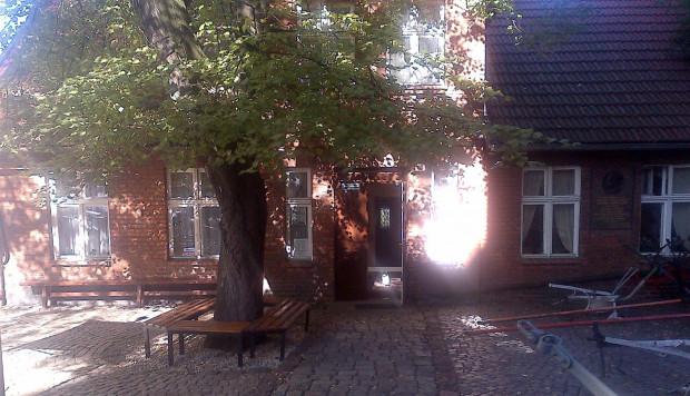 Antoni Abraham uwielbiał siadywać na ławeczce przed domem i opowiadać 16-letniemu wówczas Janowi Skwierczowi o walce o polskość Kaszub.