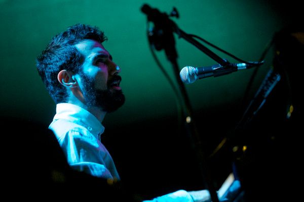 Na otwarcie w Operze Leśnej wystąpił Tigran - Shadow Theatre z Armenii.