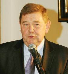 """Ryszard Trykosko otrzymał medal """"za wyjątkowe zaangażowanie i kierowanie wielkimi inwestycjami, dzięki którym Gdańsk zmienia się w nowoczesną metropolię""""."""