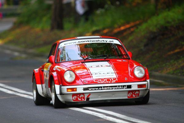 Porsche 911 S.C. 3.0 i jego kierowca Christian Zaleski okazali się najszybsi wśród aut historycznych w Górskich Samochodowych Mistrzostwach Polski Sopot 2013.