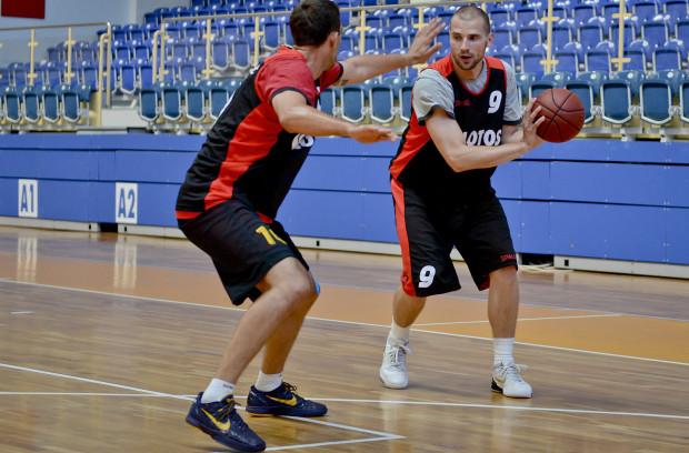 Paweł Leończyk był w zeszłym sezonie jednym z najważniejszych zawodników AZS. Jego średnie z tego okresu gry: 10,6 pkt, 4,5 zb. i 1,2 as.