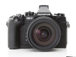 Olympus OM-D E-M1. Poważna konkurencja dla lustrzanek. Cena 7 tys. zł.