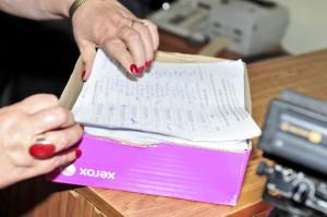 Komisja licząca podpisy popierające wniosek o referendum uznała, że aż 573 z nich nie spełniają wymogów ustawy.