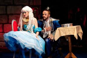 """Familijna bajka dla dużych i małych """"Arabela"""" to mikołajkowa propozycja Teatru Wybrzeże. Spektakl zagrany będzie na Dużej Scenie o godz. 16."""