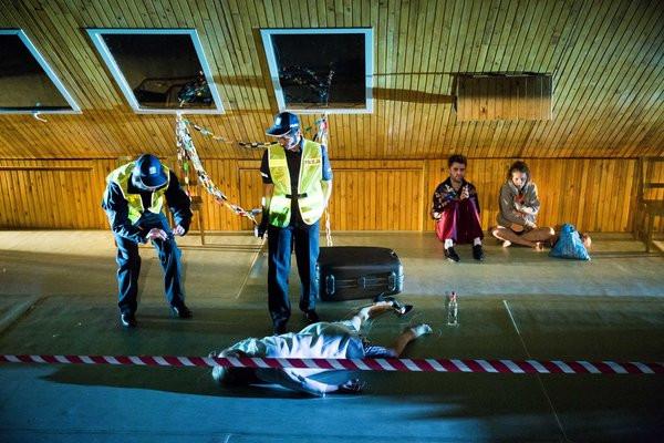 """Spektakl """"Dwoje biednych Rumunów mówiących po polsku"""" Doroty Masłowskiej w reżyserii Agnieszki Glińskiej zasłużenie wybrany został najlepszym spektaklem festiwalu i otrzymał Grand Prix oraz 50 tys. zł."""