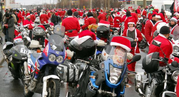 Najbardziej widowiskowy przejazd to ten z udziałem motocyklistów, którzy wystartują o godz. 12.
