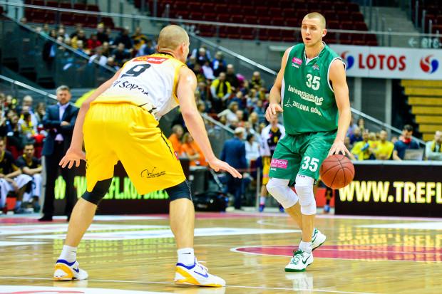 Przemysław Zamojski skarcił zespół z Sopotu rzucając 29 punktów i prowadząc Stelmet do zasłużonej wygranej.