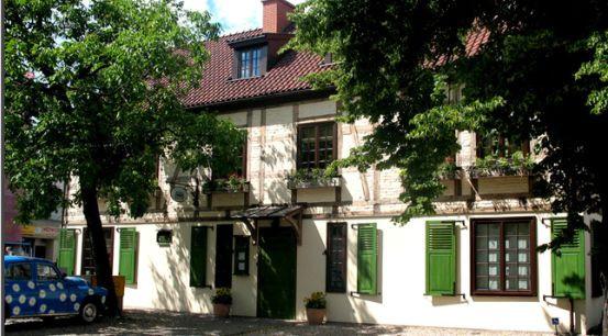 Najstarszy budynek w Sopocie został wystawiony na sprzedaż. Podobny los spotyka wiele zabytków, które są w prywatnych rękach.